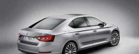 Nová Škoda Superb ovláda LTE, Apple CarPlay aj Android Auto